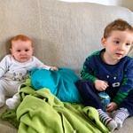 Florentin & Théo sur le canapé