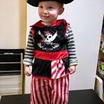 Théo déguisé en pirate